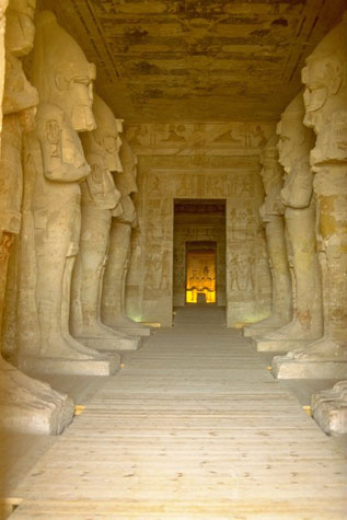 http://www.monami-travel.com/images/stories/gallery/aswan/abu Simbel interior.jpg