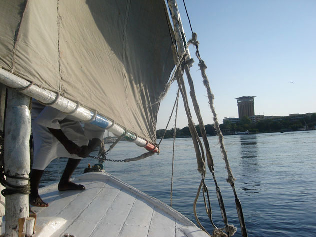 http://www.monami-travel.com/images/stories/gallery/aswan/felucca 01.JPG