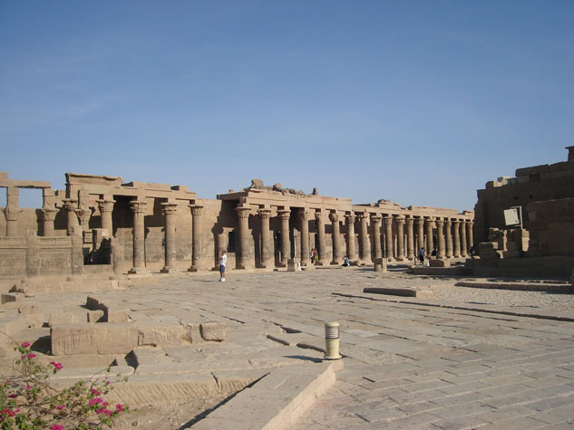 http://www.monami-travel.com/images/stories/gallery/aswan/philae 02.JPG