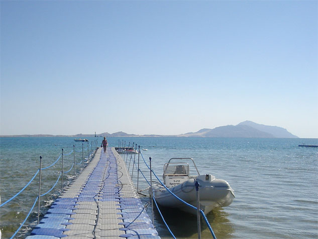 http://www.monami-travel.com/images/stories/gallery/sinai/jetty.JPG